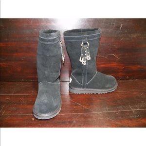 New Kids UGG Larynn Black Tall Charms Winter Boots
